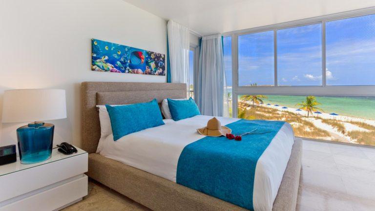 1 Bedroom Deluxe Beachfront Suite - East Bay Resort