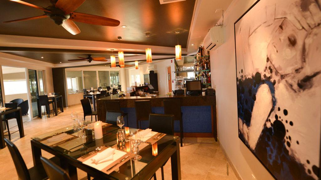 BLU Bar And Grill At East Bay Resort