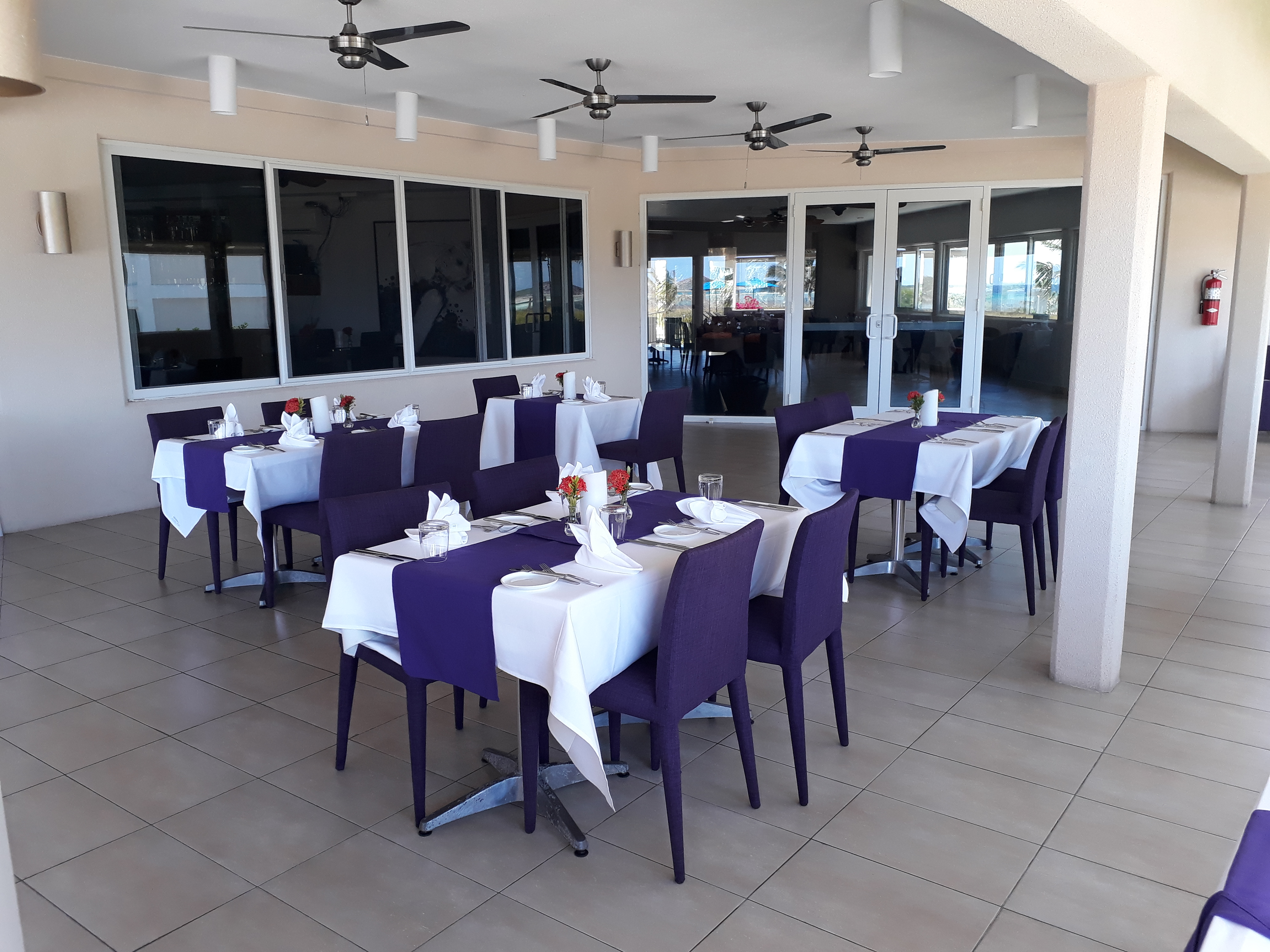 BLU Bar And Grill Outdoor Dining